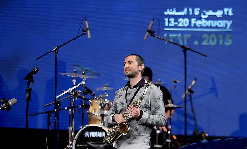 dangsho%207 تصاویر کنسرت گروه دنگ شو در جشنواره فجر
