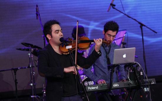 khajeamiri%205 تصاویر کنسرت احسان خواجه امیری در جشنواره فجر