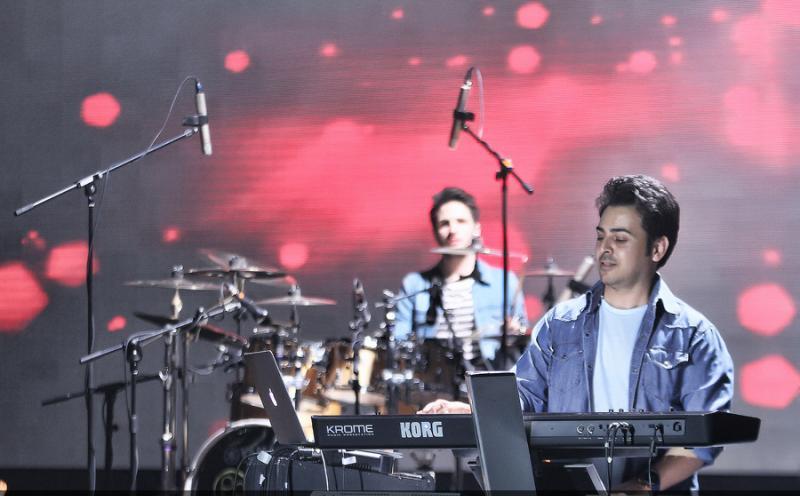 Benyamin%2011 تصاویر کنسرت بنیامین بهادری در جشنواره فجر