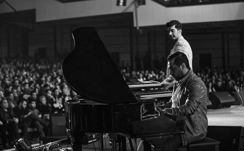 farzin%206 گزارش و تصاویر آخرین کنسرت فرزاد فرزین در سال 93
