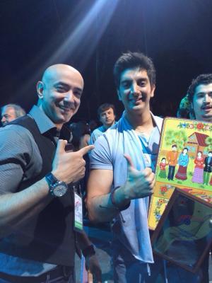 Farzad Farzin فرزاد فرزین جایزه بهترین قطعه موسیقی در اجرای زنده را از آن خود کرد