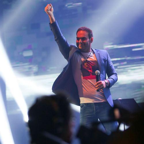 گزارش تصویری اولین کنسرت سیامک عباسی بعد از ۷ سال