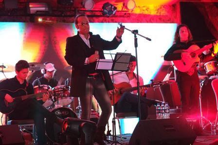 عکس های کنسرت شهرام شکوهی در قوچان